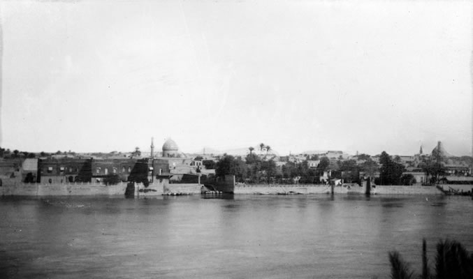 Historical view of Baghdad and the Tigris River.